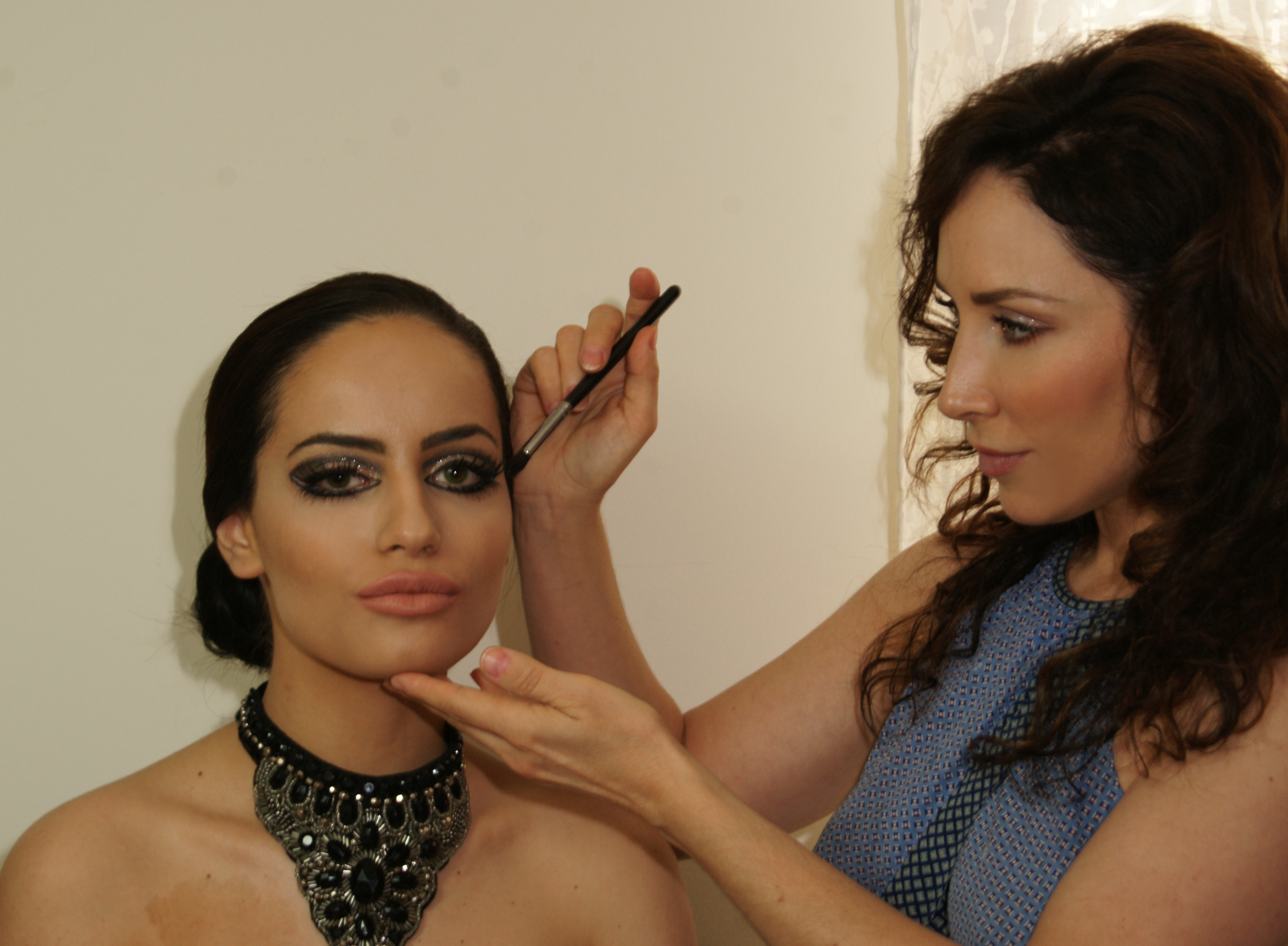 makeup school los angeles become a pro makeup artist in 4 days