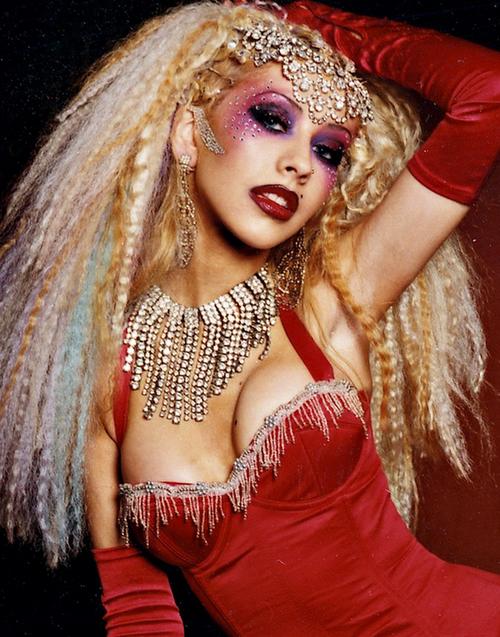 Burlesque-Beauty-Halloween-Makeup