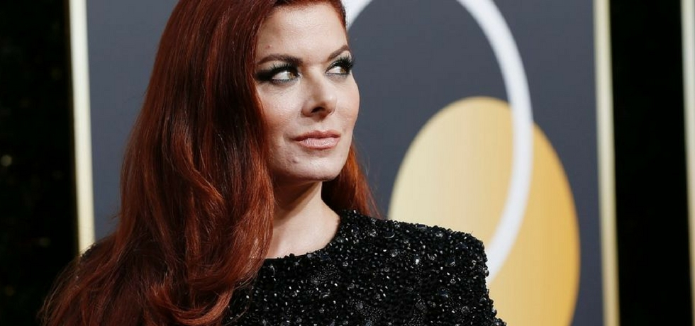 debra messing at golden globe awards